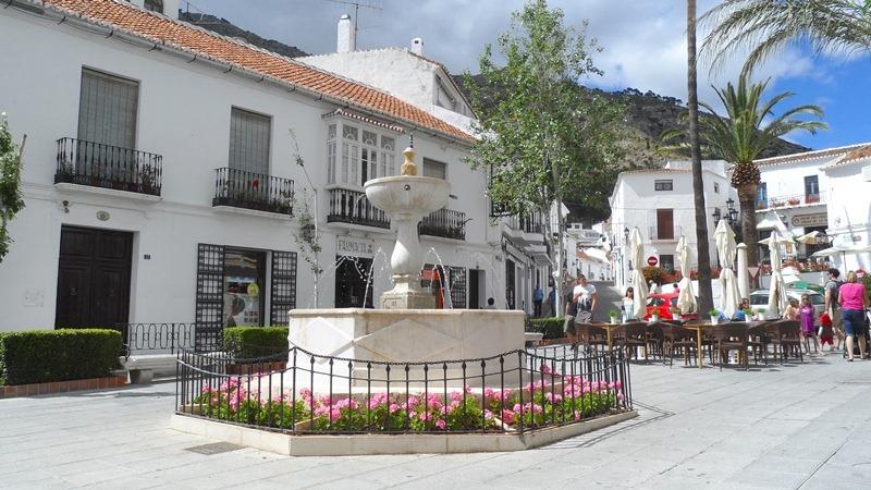Plaza de la Constitución, Pueblo Mijas - Andalucía