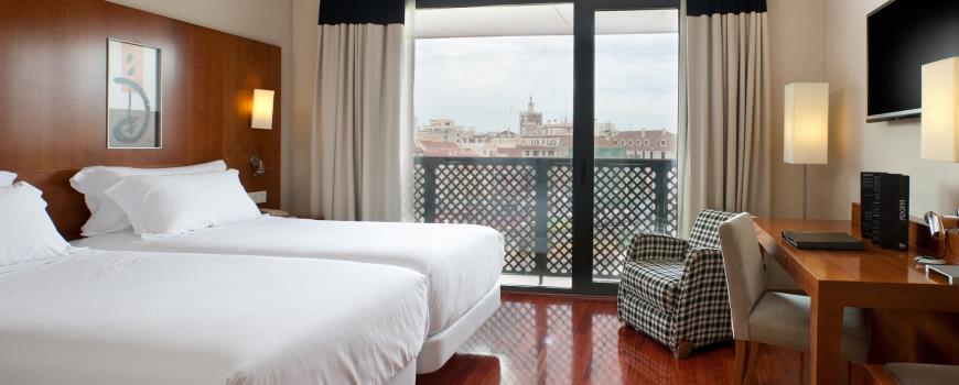 Hotel NH Málaga que vai ser comprado pela Hispania de George Soros