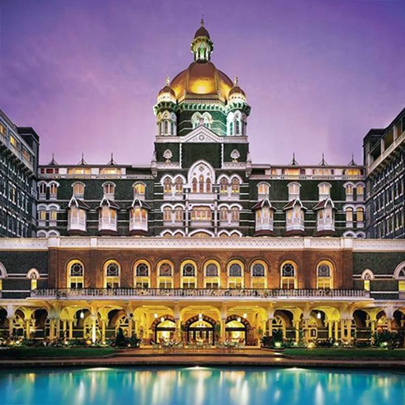 Pateo interior e piscina do Taj Mahal Palace, Mumbai