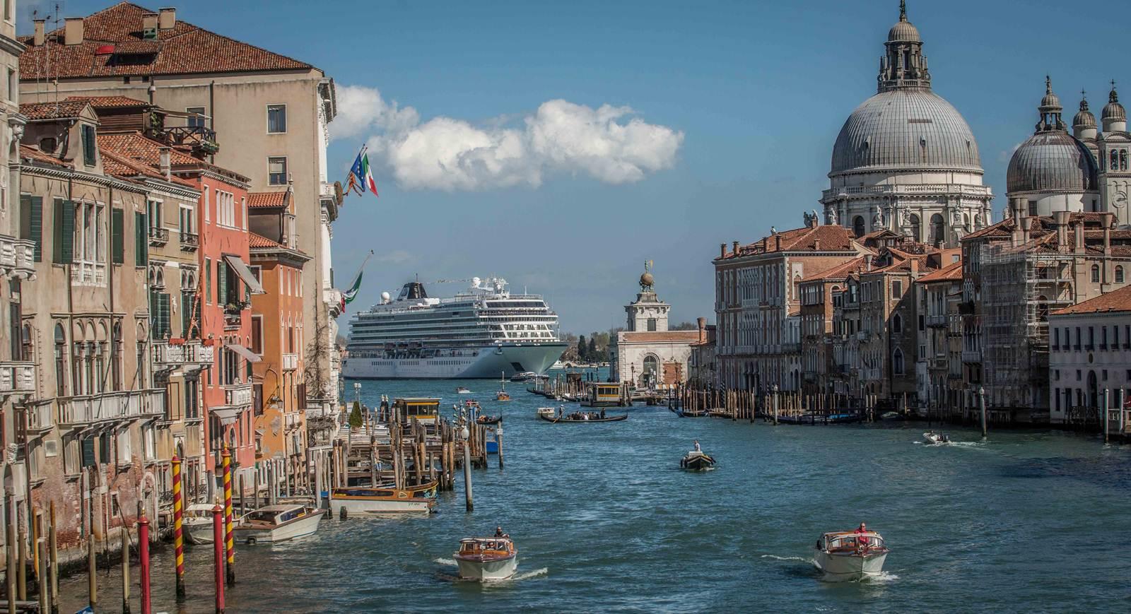 Navio de Cruzeiro Viking Star em Veneza (Itália)