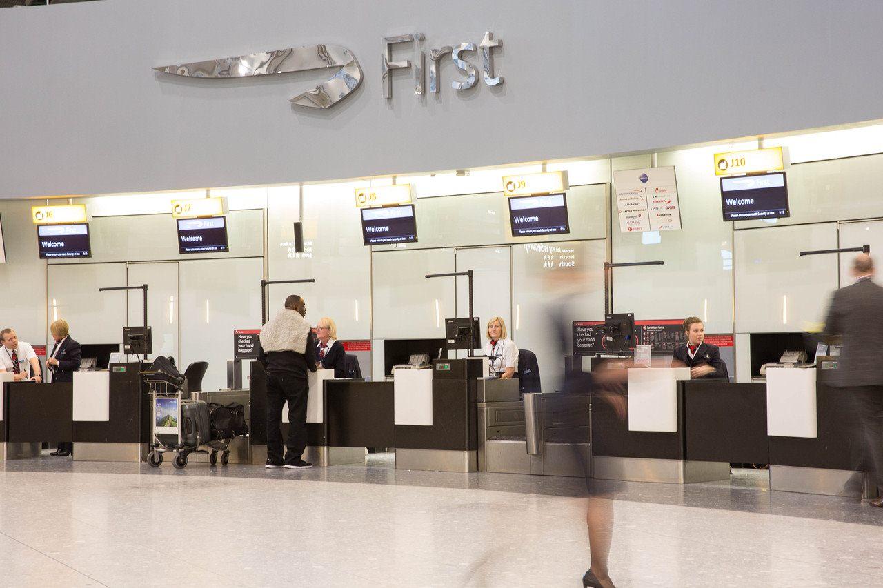 Check-in no First Wing da British Airways em Heathrow