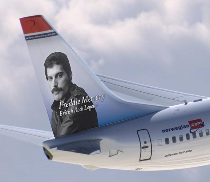 Freddie Mercury dos Queen na cauda do avião da low cost Norwegian