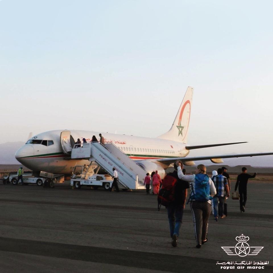 Aeronave da companhia aérea Royal Air Maroc estacionada em pista