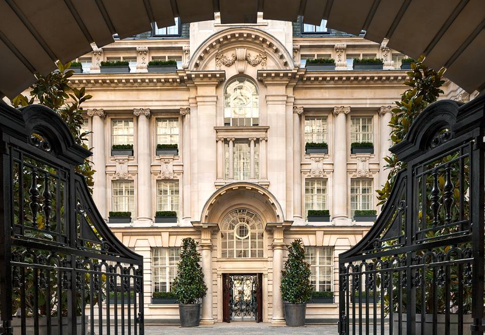 Entrada exterior do hotel Rosewood London