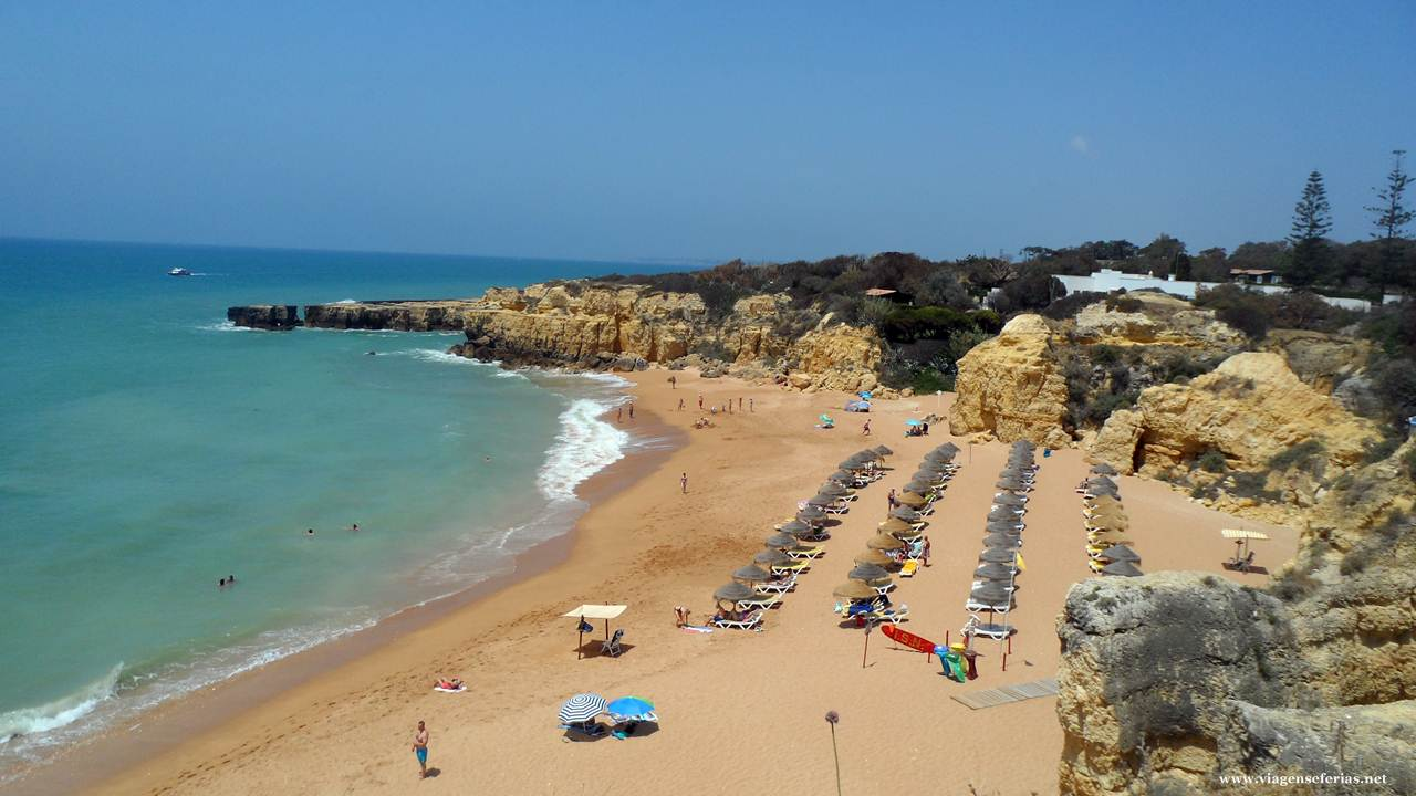 Praia do Castelo na zona de Albufeira no Algarve