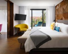 Quarto do The Fives Downtown Hotel & Residences, Curio Collection by Hilton