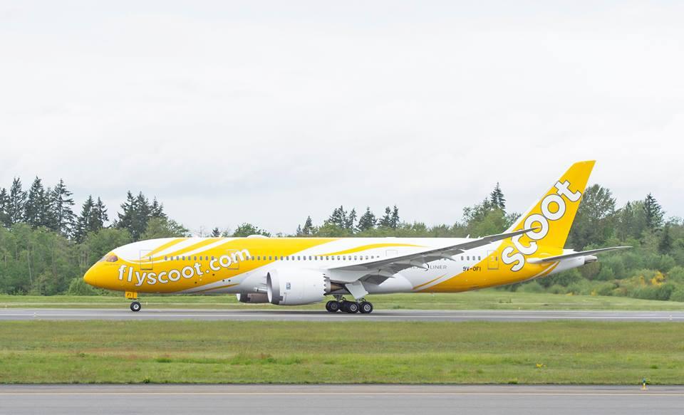 B787 Dreamliner em pista da companhia aérea Scoot